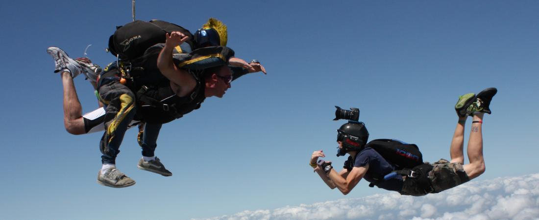tandem-sit-skydive
